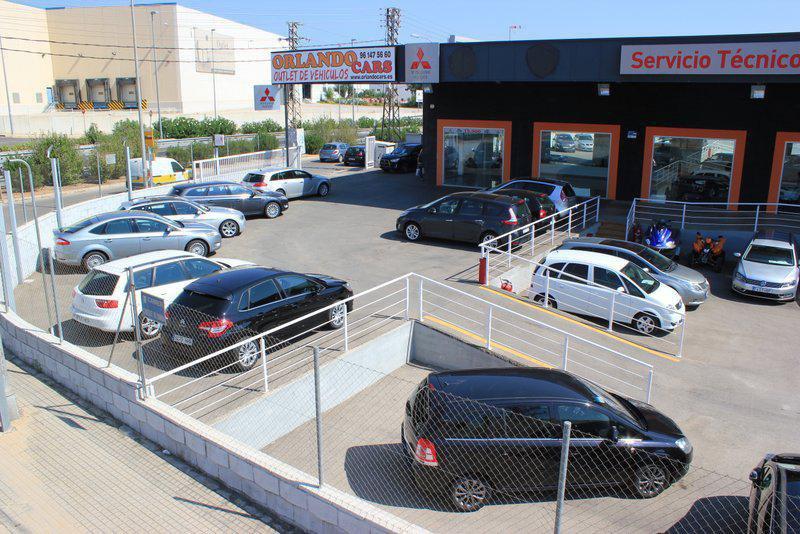 En ORLANDO CARS disponemos de vehículos de ocasión de todas las marcas y con garantía de un año, con el mejor servicio profesional y con la mayor seriedad que le podemos ofrecer, también atenderemos en nuestros propios talleres. La financiación mas