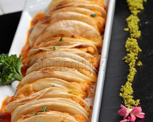 Boggo la moraleja: un espacio minimalista lleno de glamour y con esmerada cocina internacional.