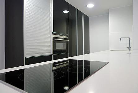 Cocina de vivienda en Gijón. Obra ejecutada por Diseco Reformas e Interiorismo