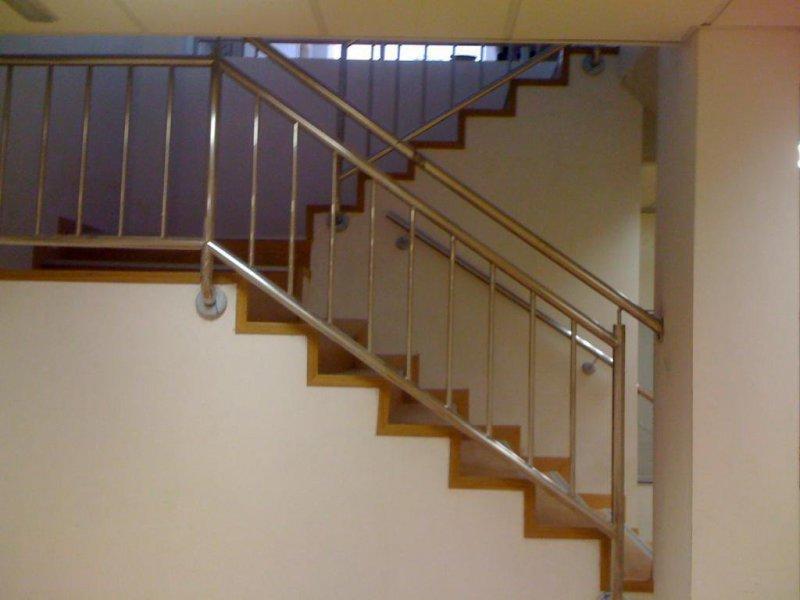 Escalera en laminado AC5