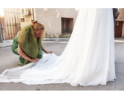 Colocando el vestido