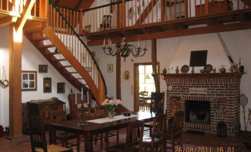 Pintura de interiores y tratamiento de madera