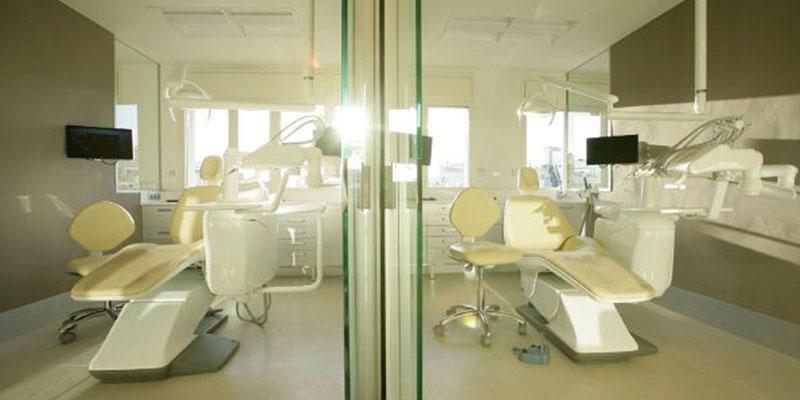 Clínica Odontológica Ahoa. BARCELONA