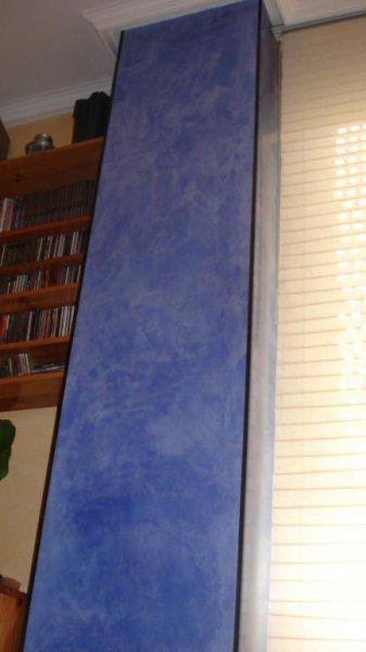 columna en azul cielo