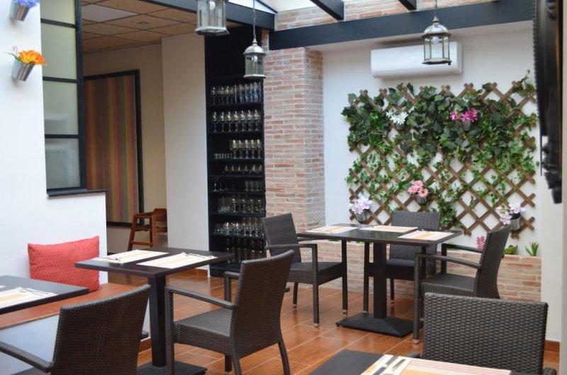 Restaurante Ancón, cocina peruana y mediterránea en Valencia