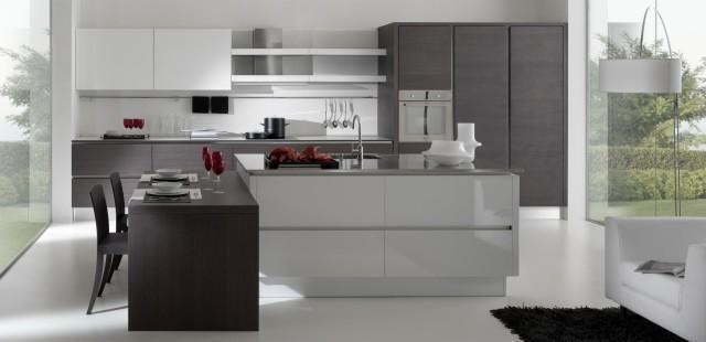 Composicion de Cocina de Formica blanca y  madera con encimera de Compac blanco
