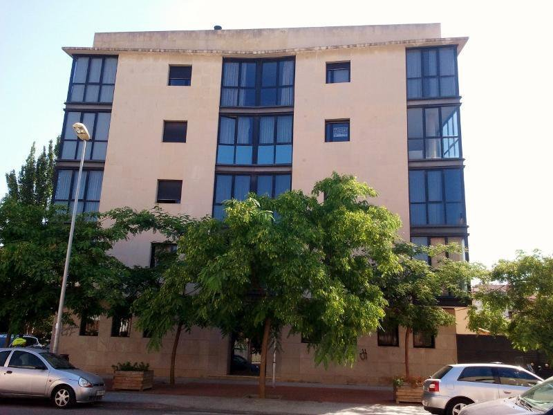 Edificio de 20 viviendas y aparcamiento en sabadell