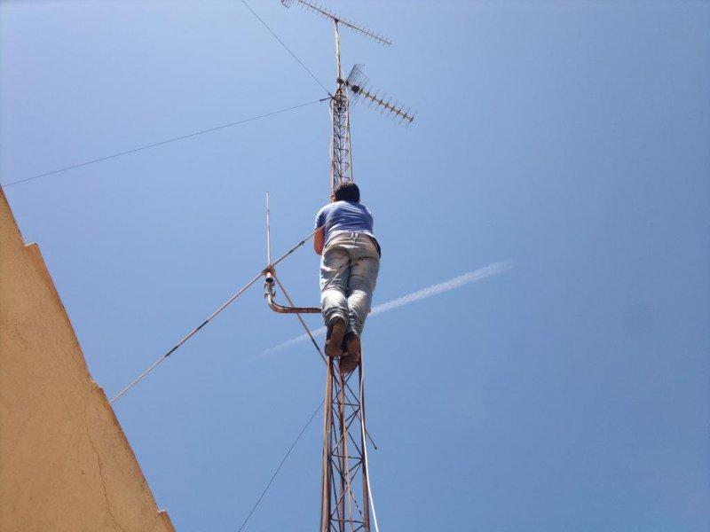 Antenas Mallorca, Reparacion, Instalacion, Antenistas Palma de Mallorca, palma mallorca antenas de Tv, Tdt, Satelite, reparacion, instalacion y manteniemto de antenas tv en palma de mallorca, atendemos toda mallorca. Tlf. 871 70 57 56.