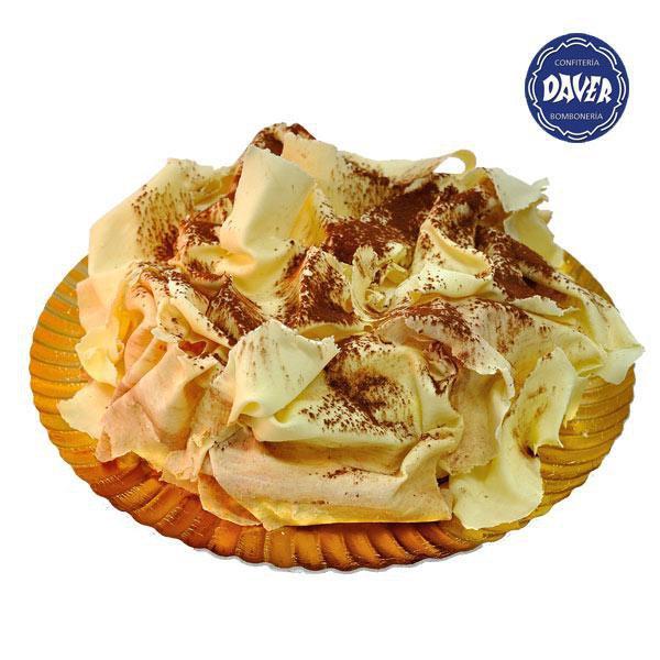 Tarta Nuria rellena de trufa al cava y bizcocho de chocolate