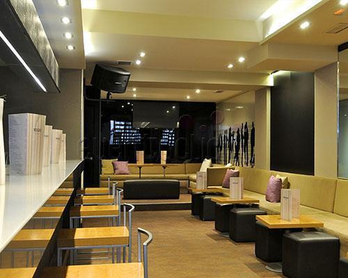 Boggo velazquez: un espacio minimalista lleno de glamour y con esmerada cocina internacional
