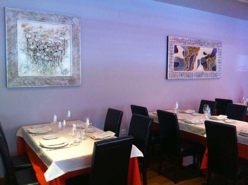 Acogedor restaurante, servicio personalizado.