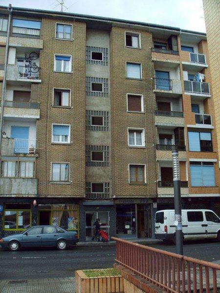 Rehabilitación de fachada en C/General Castaños nº121 (Portugalete) Antes
