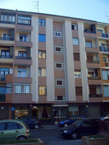 Rehabilitación de fachada en C/General Castaños nº121 (Portugalete) Después
