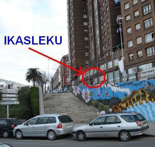 Vista a la entrada de Ikasleku desde la calle Nafarroa
