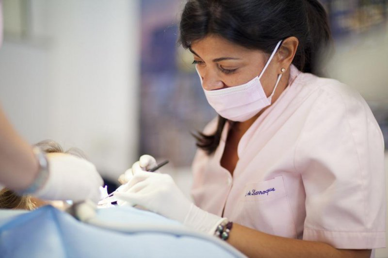 Dra. Isabel De Larroque en Clínica Dental Dra. Herrero