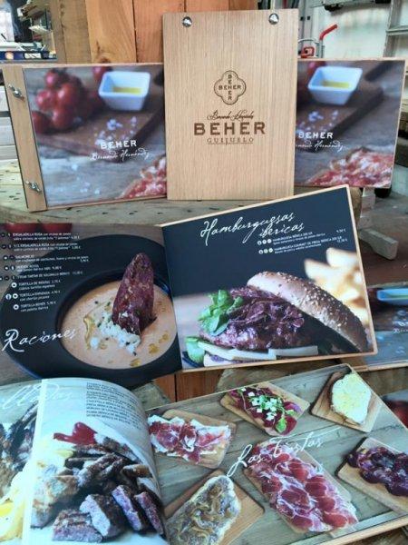 cartas de restaurante personalizadas en madera grabada a láser