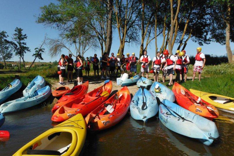 Despedida en grupo ruta de kayak
