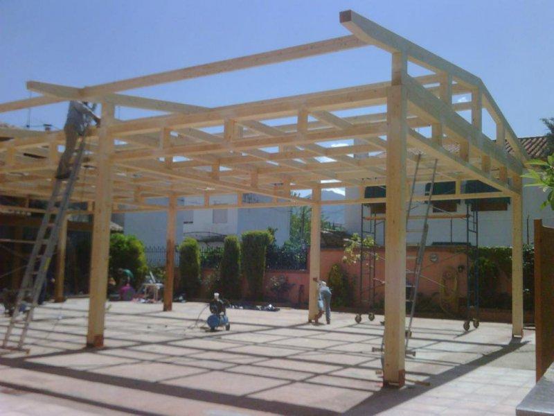 Pérgola de madera en terraza