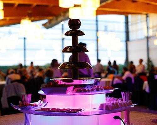 Fuentes de chocolate iluminadas