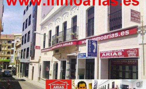 INMOBILIARIA ARIAS C/ San Jose 13 Almendralejo ( Badajoz) 924 66 45 66 - www.inmoarias.es