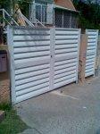 puertas de acero con lamas mallorquinas de aluminio