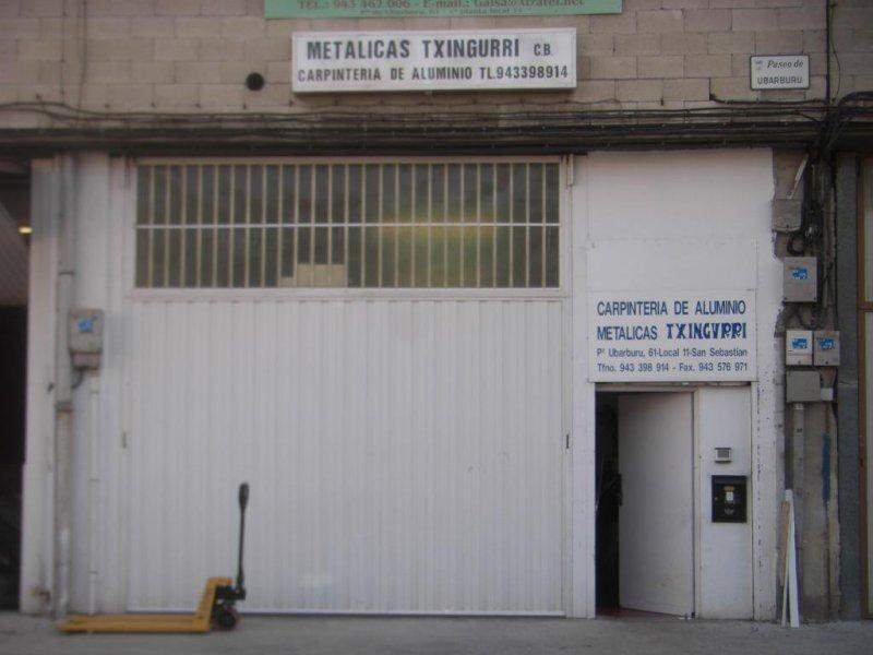 puerta de entrada del taller