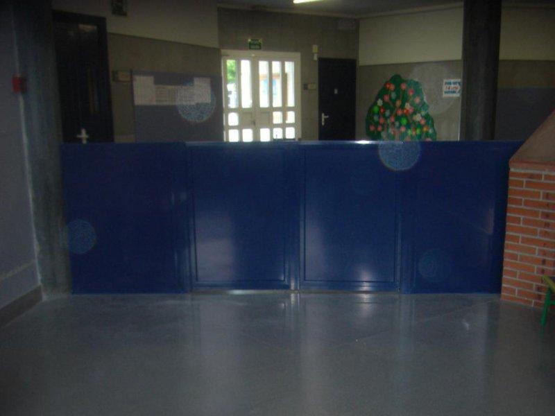 puerta de seguridad para guarderias o otros lugares de aluminio