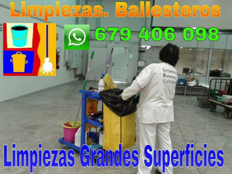 LIMPIEZA OFICINAS Y GRANDES SUPERFICIES
