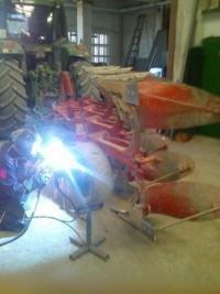 Reparaciones agrícolas de soldadura