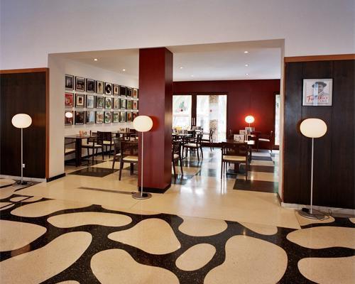 Cafeteria del hotel pez espada