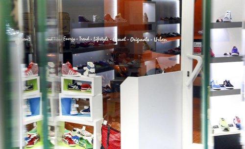 La tienda de Mundo Sneaker