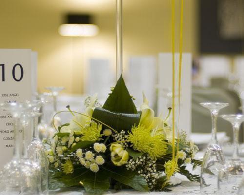 Detalle de un centro floral para las mesas