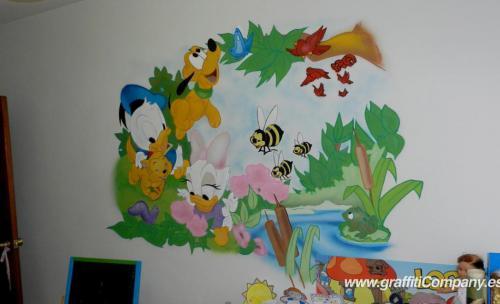 Mural infantil en habitación de Segovia