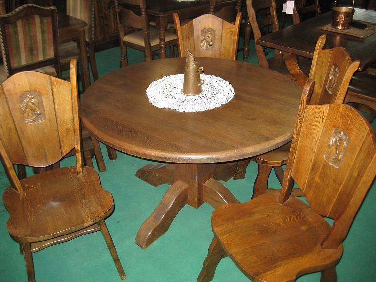 Mesas y Sillas de madera de roble
