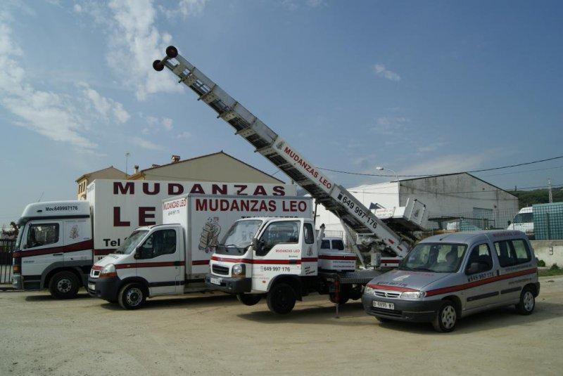 MUDANZAS LEO