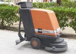 Fregado a máquina suelos difíciles