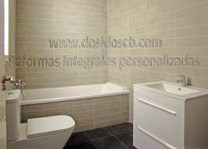 Dosidos CB reforma de baño pequeño gris en Valencia