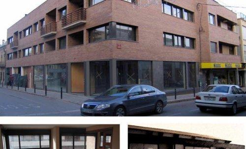 8 habitatges i locals a Banyoles (Girona)