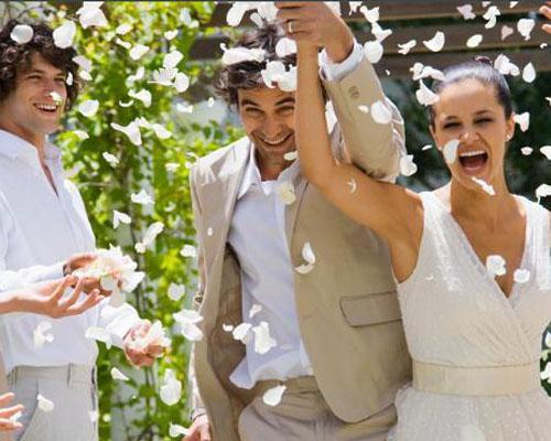 Diseñamos de manera resonal y exlusiva bodas con encanto, llenas de detalles y totalmente a medida.