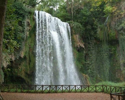Enclavado en un bello parque natural
