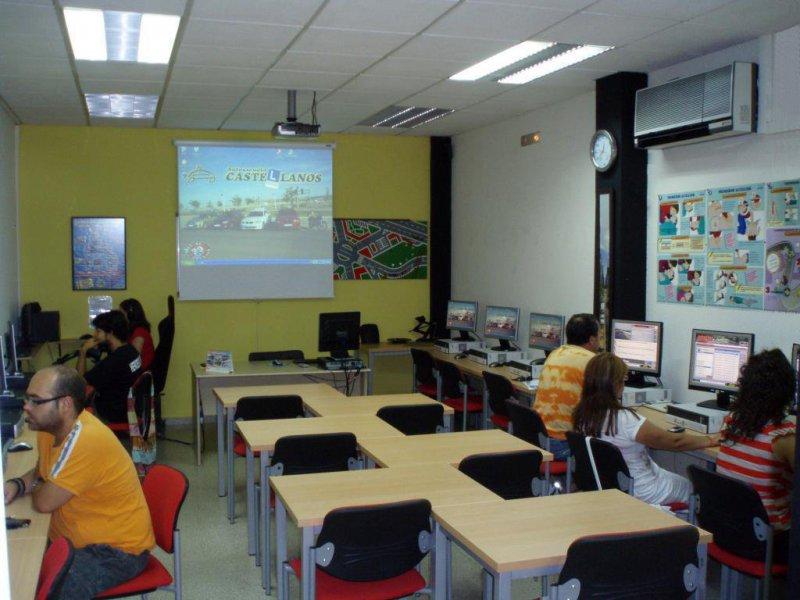 Autoescuela Castellanos - Centro de Formación y Seguridad Vial (Sede Central).