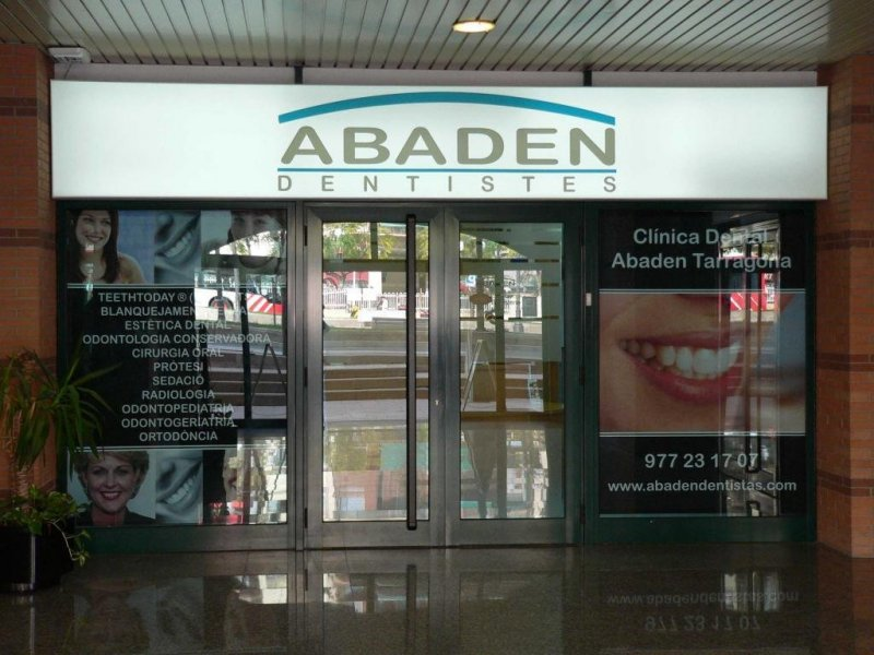 Abaden Dentistas - Tarragona