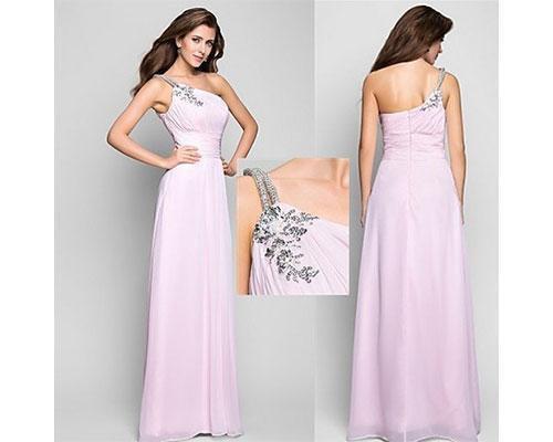 Vestido rosa con bordado