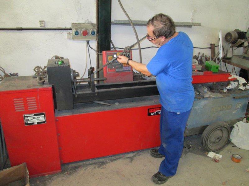 maquina para torcer y caracolear el hierro en frio