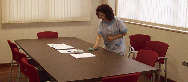 Limpiezas en general, oficinas, empresas, despachos, bancos...