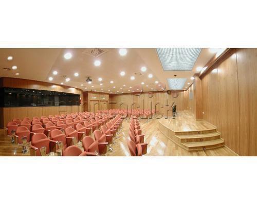 Panoramica salon de actos