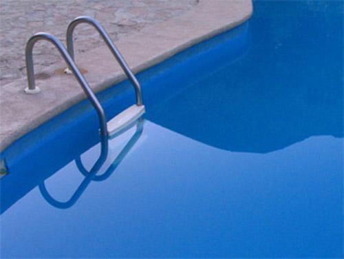 Mantenimiento de piscinas y servicios de socorristas