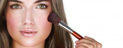 <p>Temas a tratar </p><p>cuidados de la piel</p><p>maquillaje de día</p><p>colorimetria</p><p>contornos</p><p>No olvides traer tu neceser para indicarte como usarlo</p>