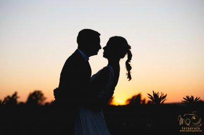 Hacemos un descuento del 10% en reportajes de vídeo de boda en Sevilla.<div>Pueden ser reportajes de solo vídeo de boda o vídeo + fotografía.</div>