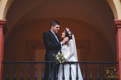 Hacemos un descuento del 10% en el precio de Reportaje de bodas solo fotografías o foto + vídeo.